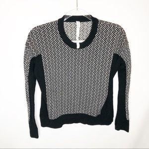 Lululemon Yogi  Sweater Thumbholes Merino Wool 4
